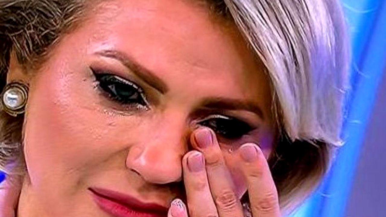 """Mirela Vaida, în lacrimi la Acces Direct: """"Trebuie să plătim cu viața?"""""""