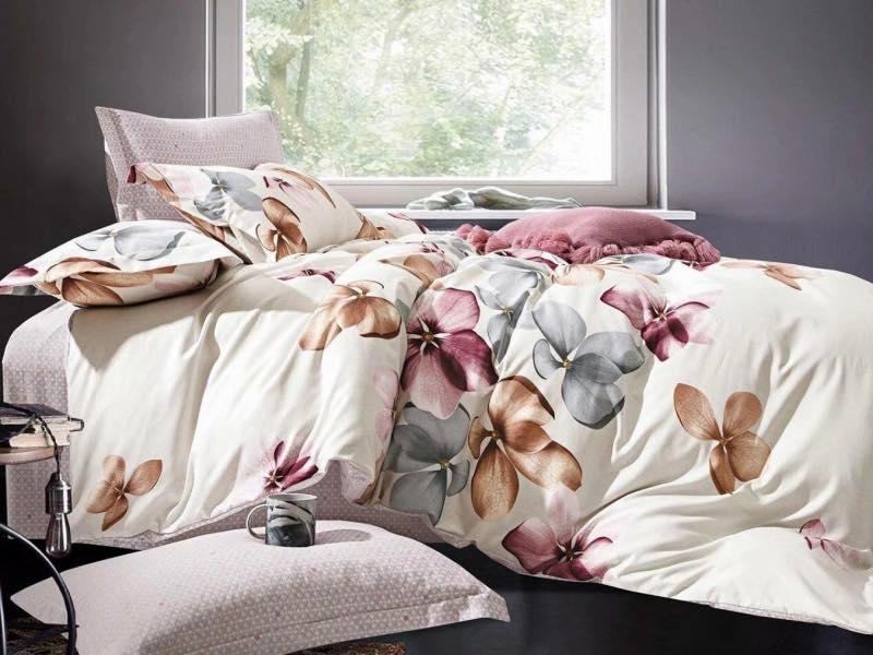 Lenjeria de pat, o modalitate simplă de a reînnoi decorul dormitorului cu puține elemente