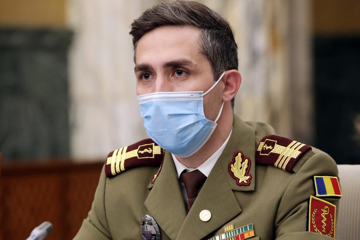 Putem renunța la mască în spații închise, dacă ne-am imunizat complet? Valeriu Gheorghiță dă răspunsul