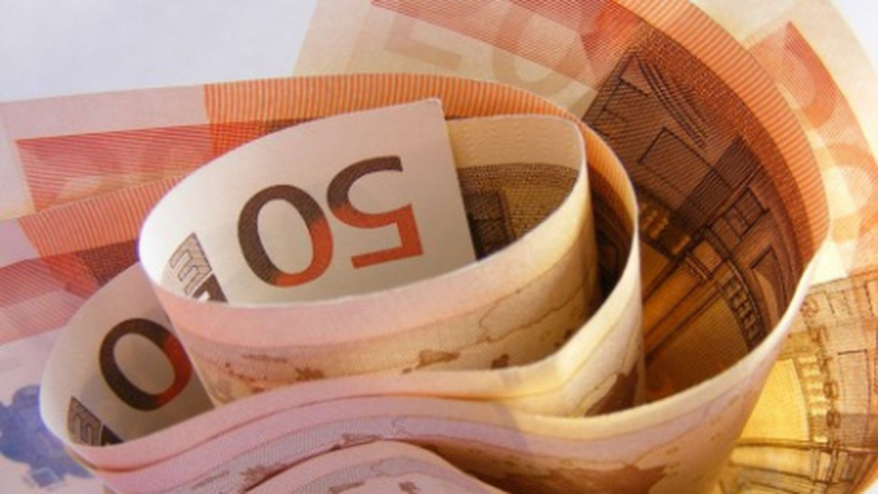 Curs valutar 16 iunie 2021. Euro scade considerabil azi